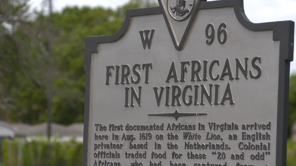 A plaque memorialising the arrival of the first US slaves