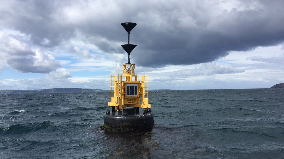 Marker buoy above the wreck