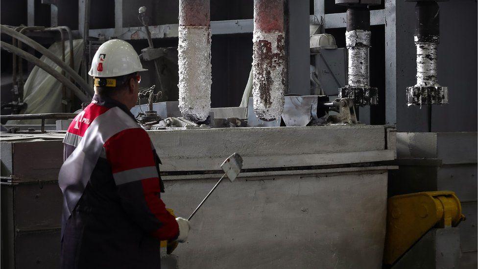 Швейцария стала крупнейшим покупателем алюминия из России. Как так вышло?