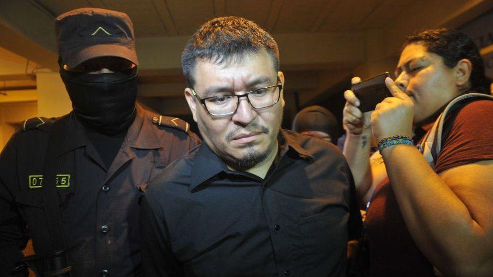 Mario Huezo cuando fue arrestado.