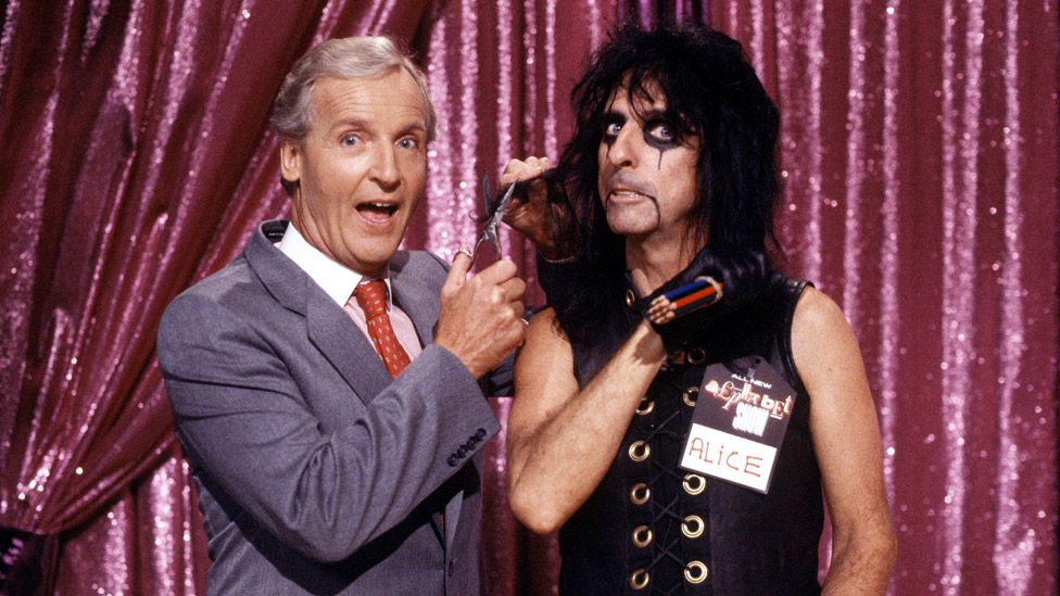 Nicholas Parsons and Alice Cooper on ITV's Night Network in 1987