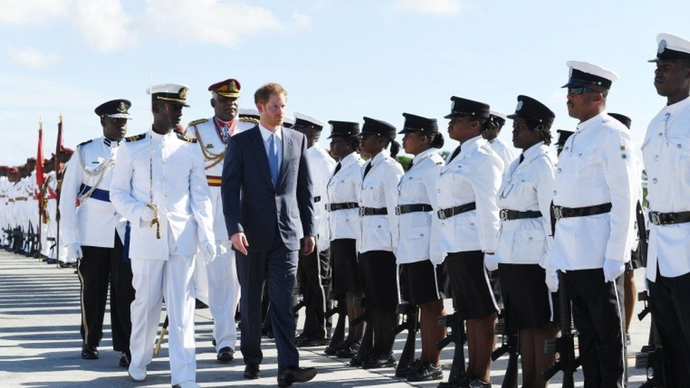 Prince Harry inspects troops