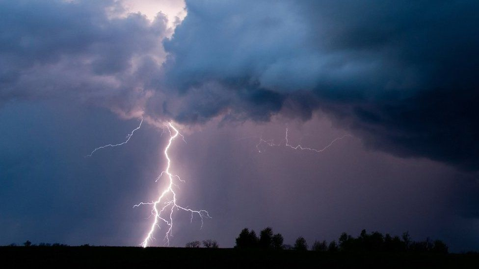 Lightning affected electricity supplies in Highlands