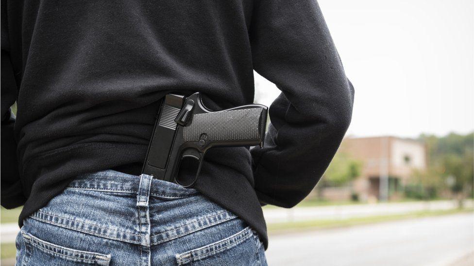 Videogames violentos são 8 vezes mais citados nos EUA quando atiradores de massacres em escolas são brancos