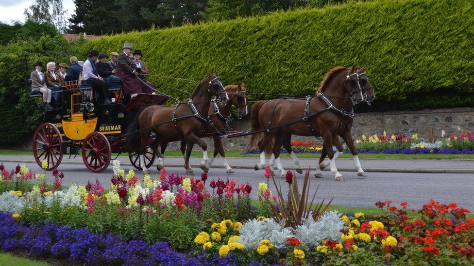 Horse drawn carriage in Banchory