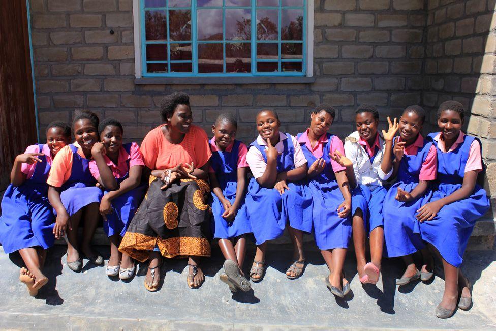 Trinitas and schoolgirls