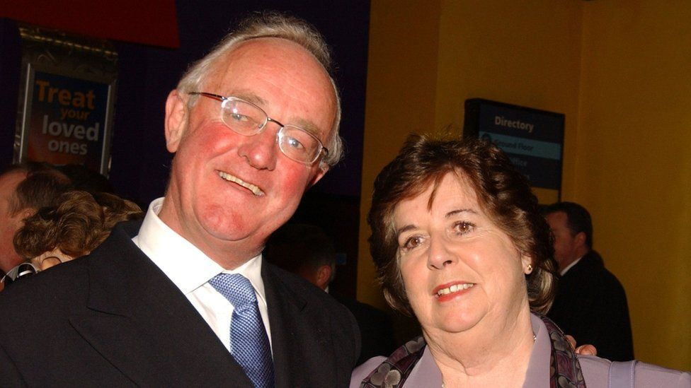 Frank Kelly and his wife in 2003