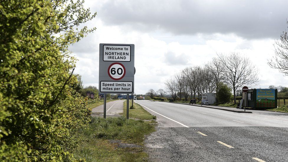 A welcome to Northern Ireland road sign signalling the crossing of the border between north and south