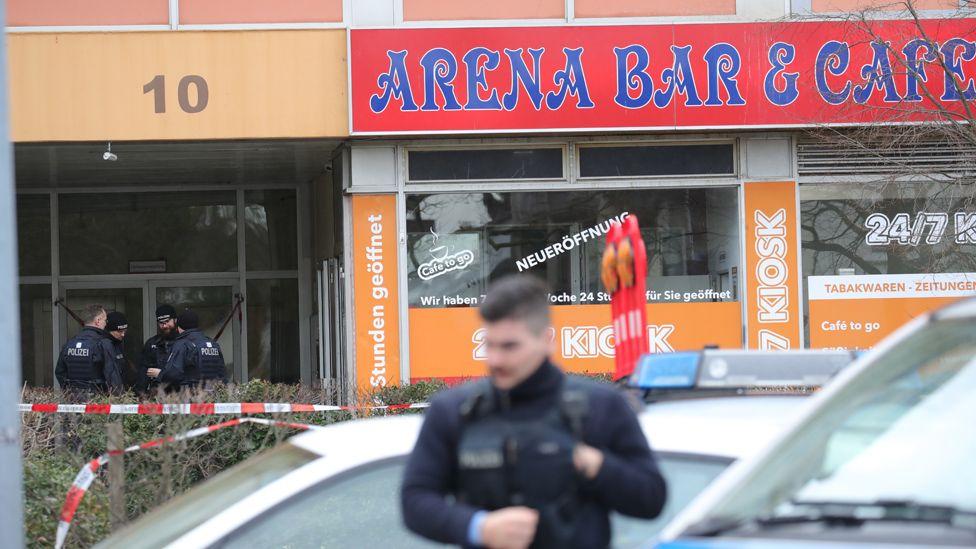 Hanau bar, 20 Feb 20