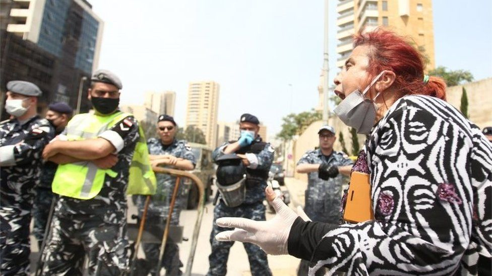 Protester and security forces in Beirut (21/04/20)