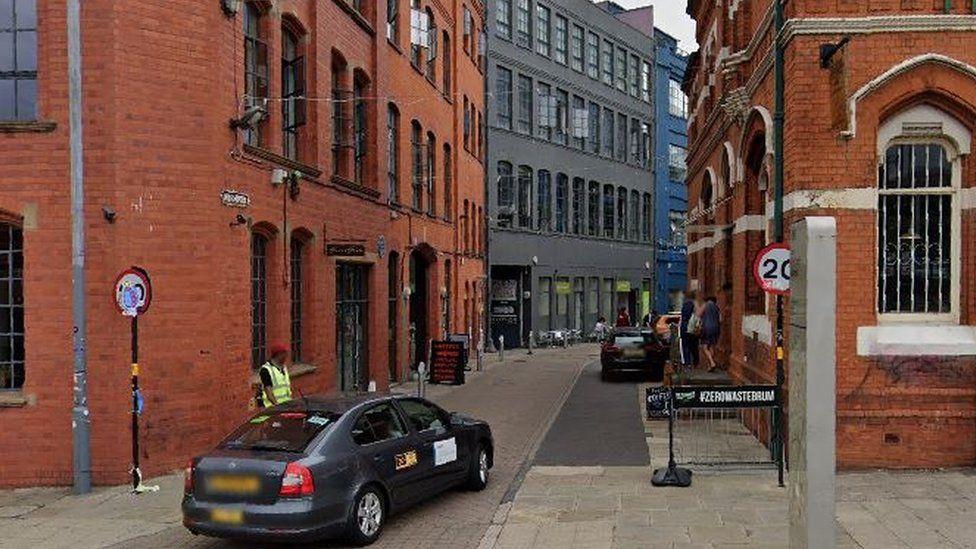 Entrance to Gibb Street