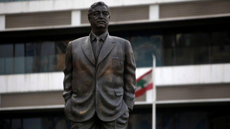 A stature of former Lebanese Prime Minister Rafik Hariri