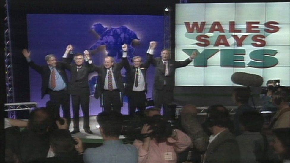 Politicians celebrate the 1997 Wales referendum result
