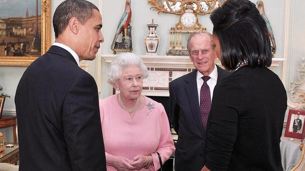 Barack Obama, Queen Elizabeth, Prince Philip and Michelle Obama in London in 2009