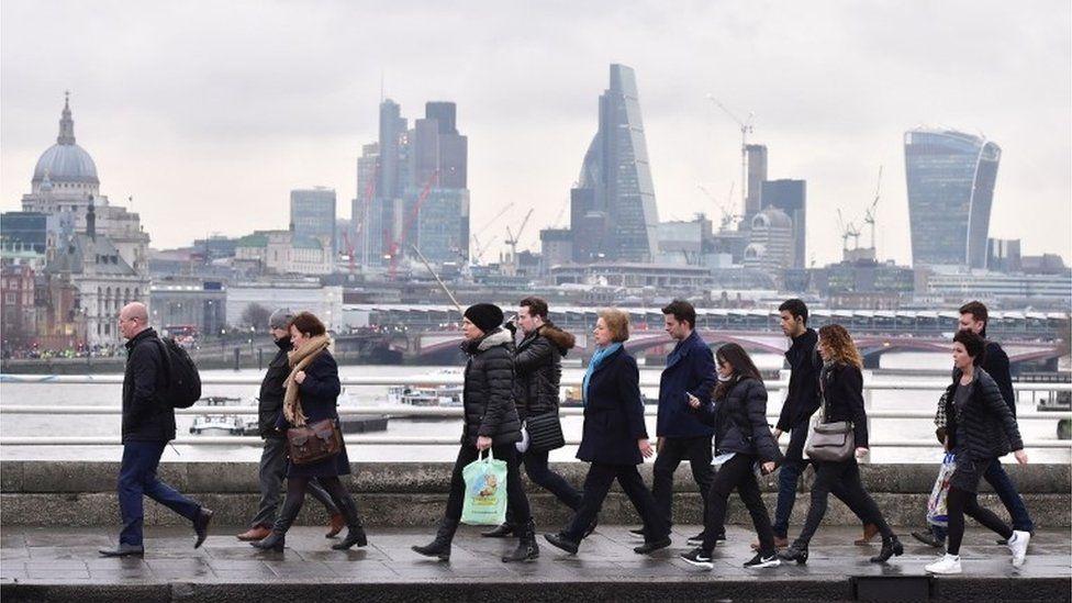 workers on London Bridge