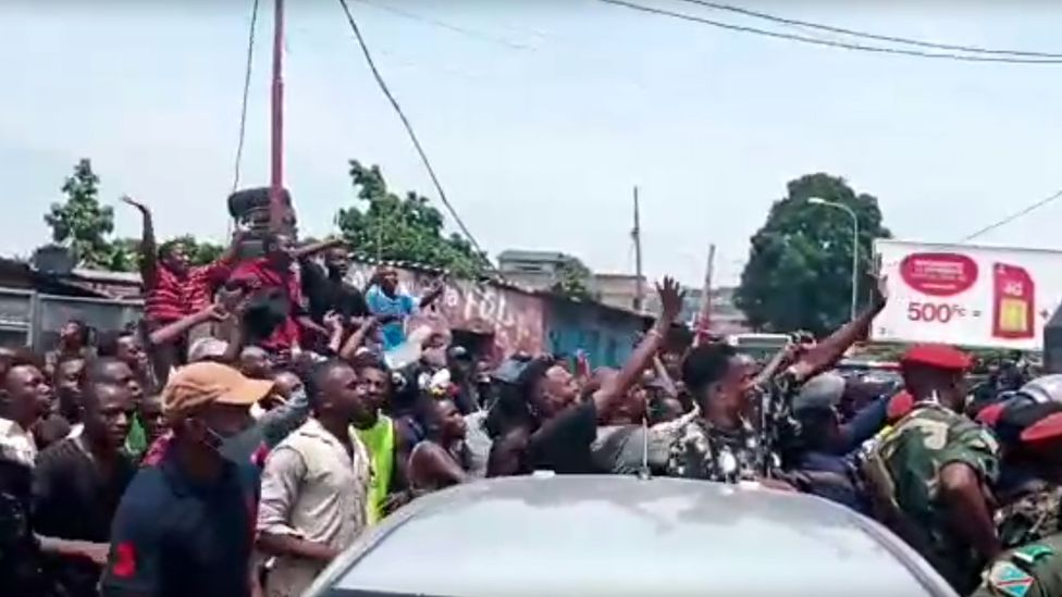People run and shout after Mr Nsemi's arrest