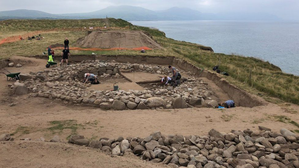 Excavations at the Dinas Dinlle hillfort