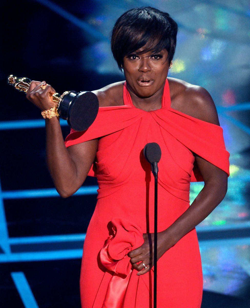 Viola Davis accepts the award