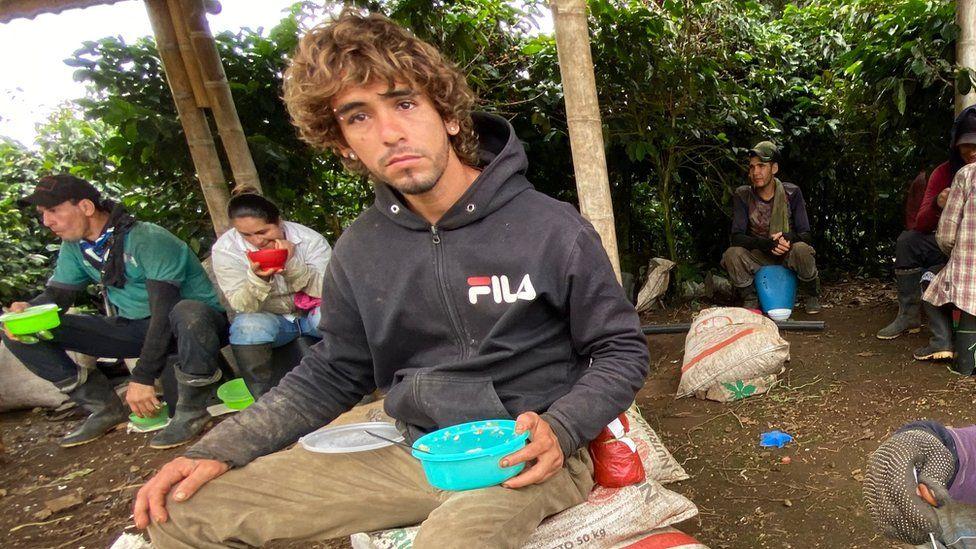 Rafael Avendaño eats lunch at Santa Isabel