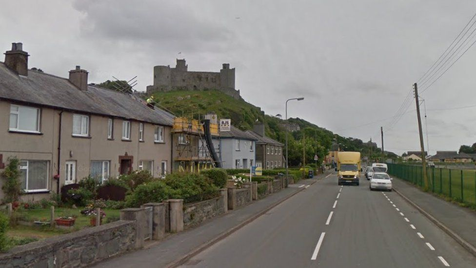 A496 overlooked by Harlech Castle