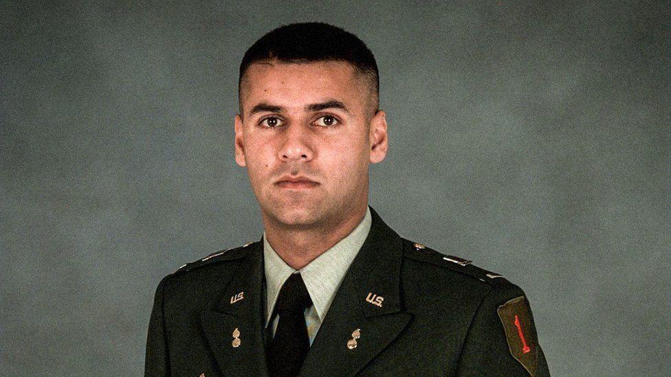 Quién era Humayun Khan, el soldado musulmán muerto en Irak cuyos padres acabaron en una polémica con Donald Trump