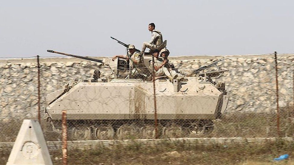 File photo showing Egyptian soldiers patrol the Egypt-Gaza border (21 April 2016)