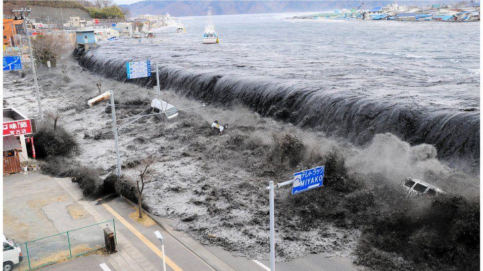The tsunami hits Miyako City