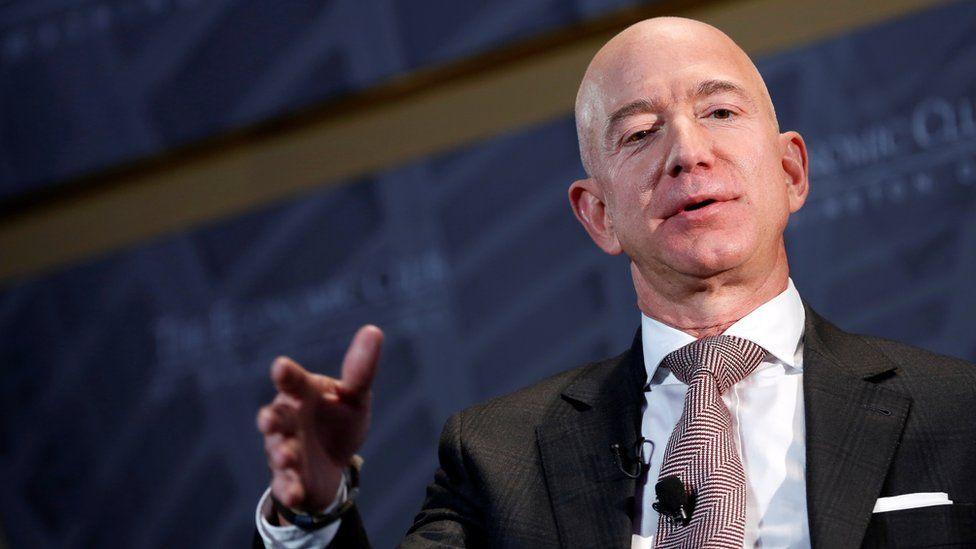 Amazon's Jeff Bezos backs tax rise on companies thumbnail