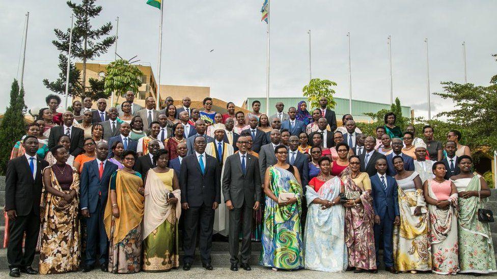 Rwandan President Paul Kagame with 80 new MPs in September 2018
