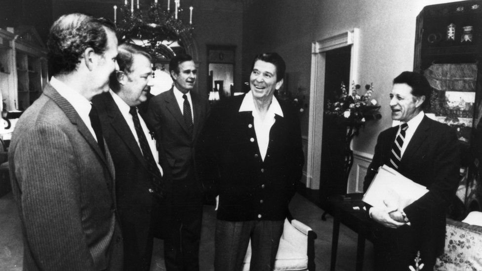 Cabinet meeting in Reagan White House