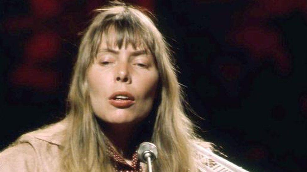 Joni Mitchell in 1972