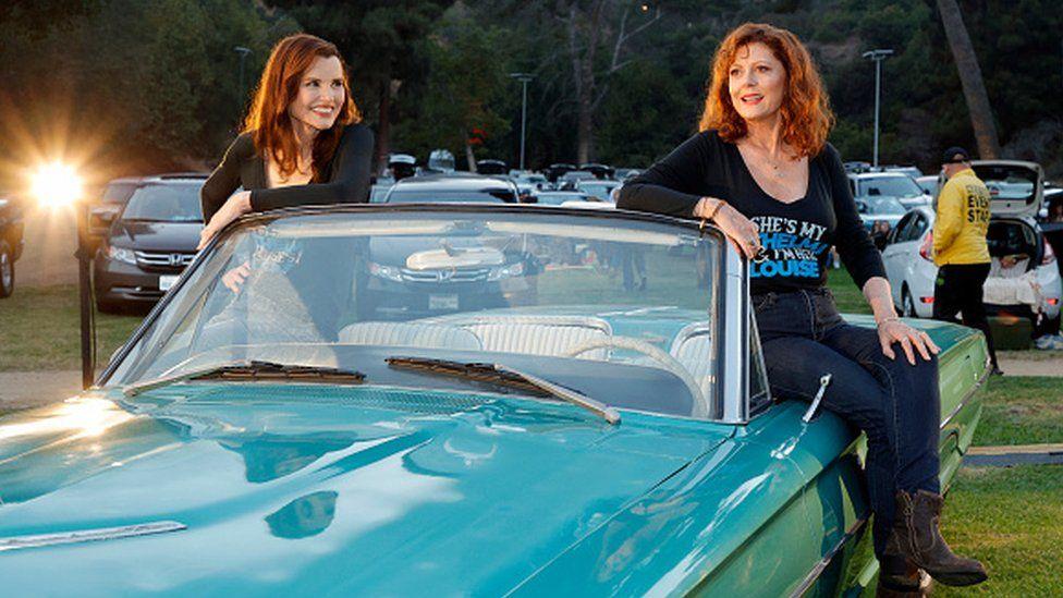 Geena Davis dan Susan Sarandon menghadiri pemutaran amal Thelma & Louise 18 Juni 2021
