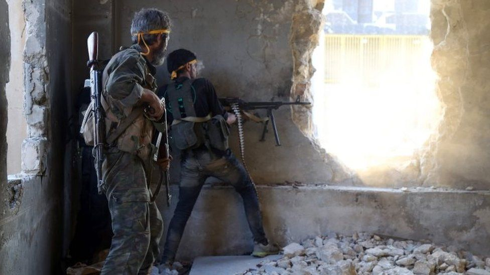 Syrian rebels fight in Aleppo's Ramouseh area. Photo: 6 August 2016