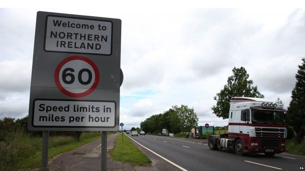 Vehicle crossing the border between Northern Ireland and the Republic of Ireland