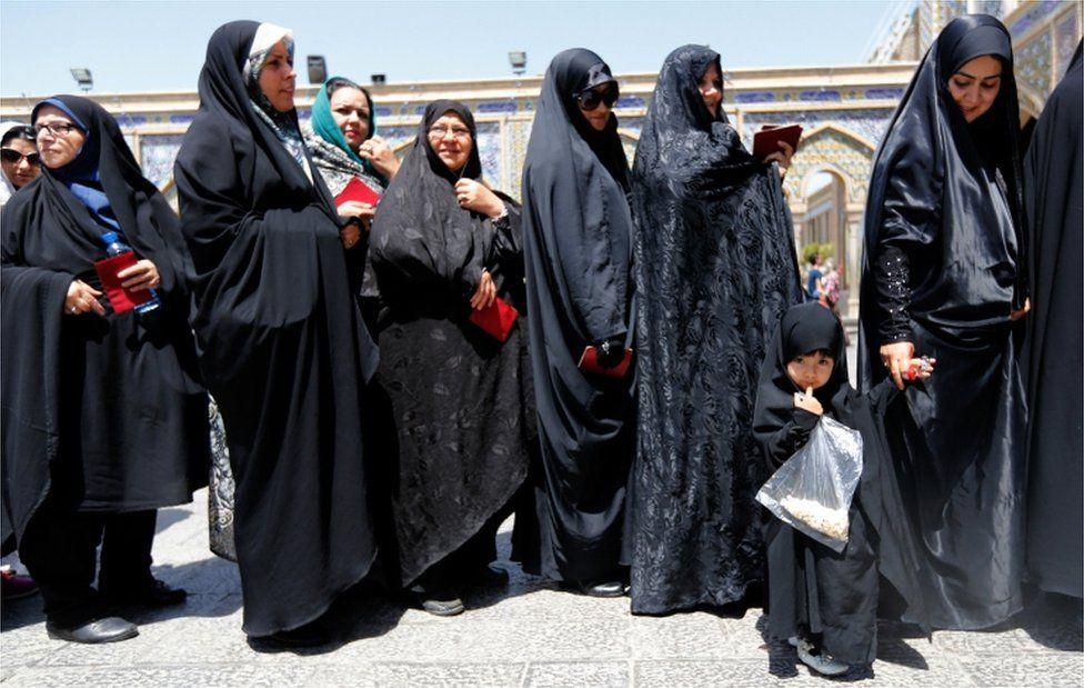Women line up to vote