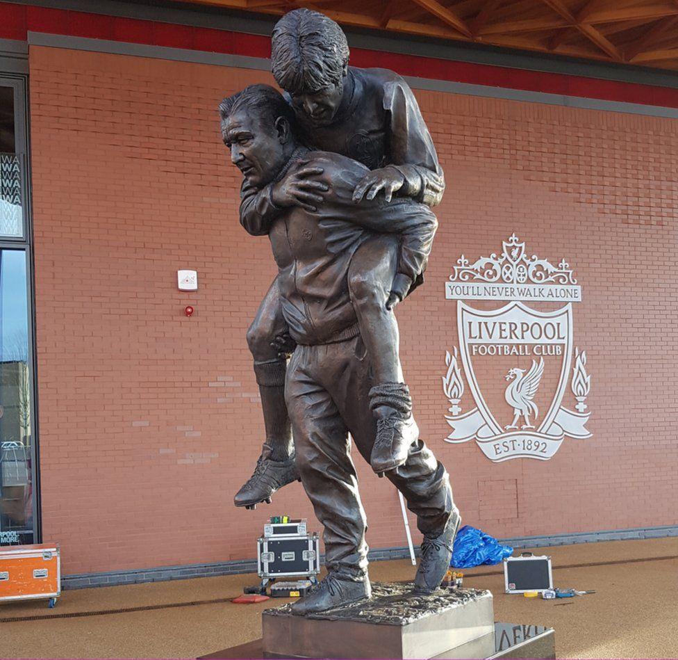 Bob Paisley statue