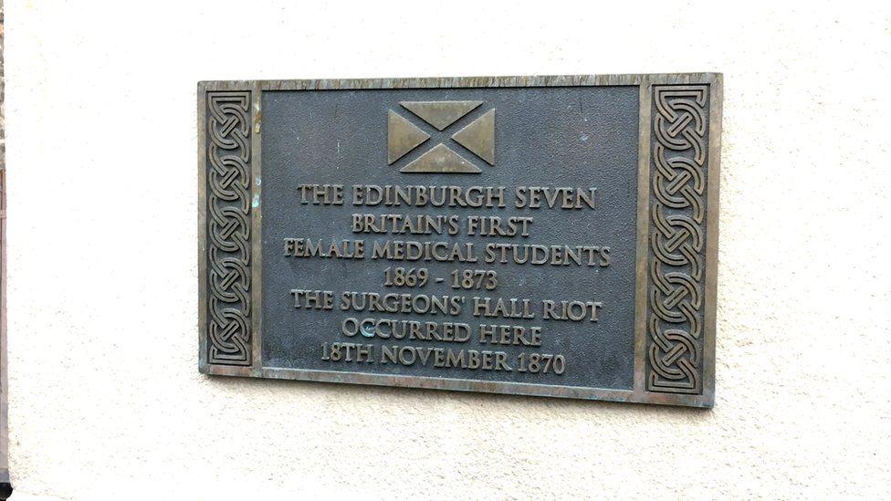 Surgeon's Hall plaque