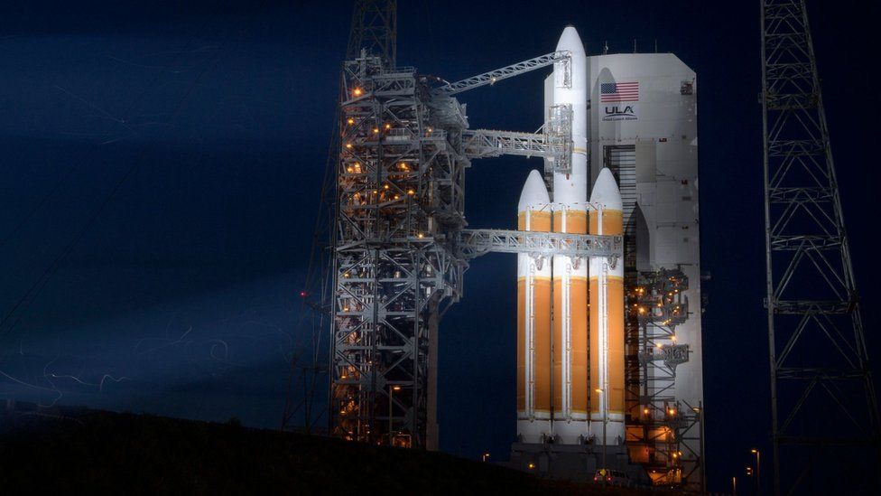 The Delta-IV Heavy rocket with the Parker Solar Probe onboard