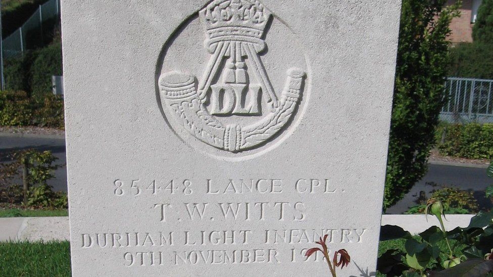 Tom Witts's grave