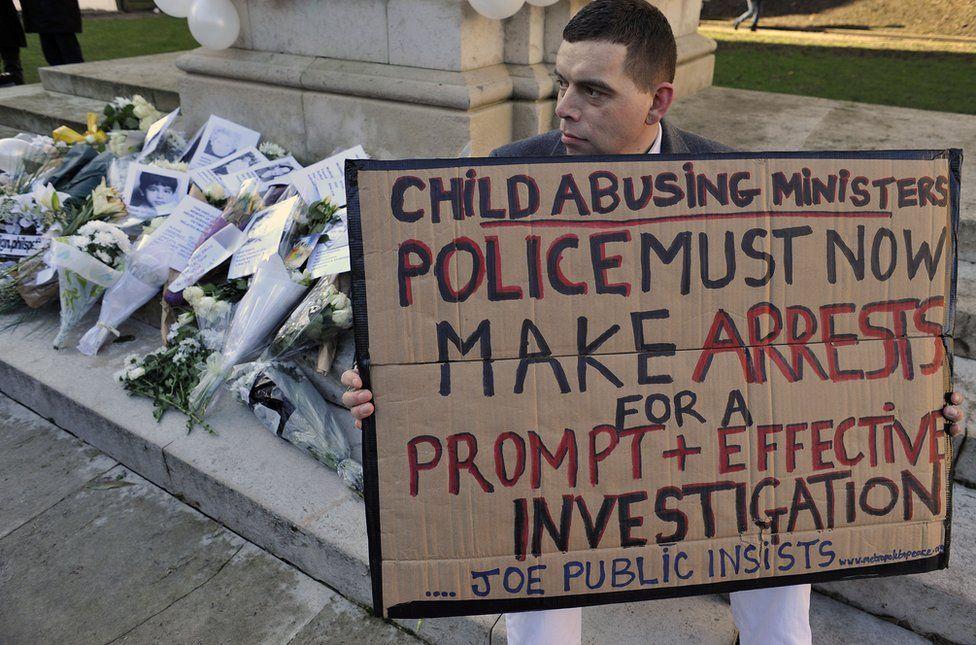 The paedophile hunter turned prey - BBC News
