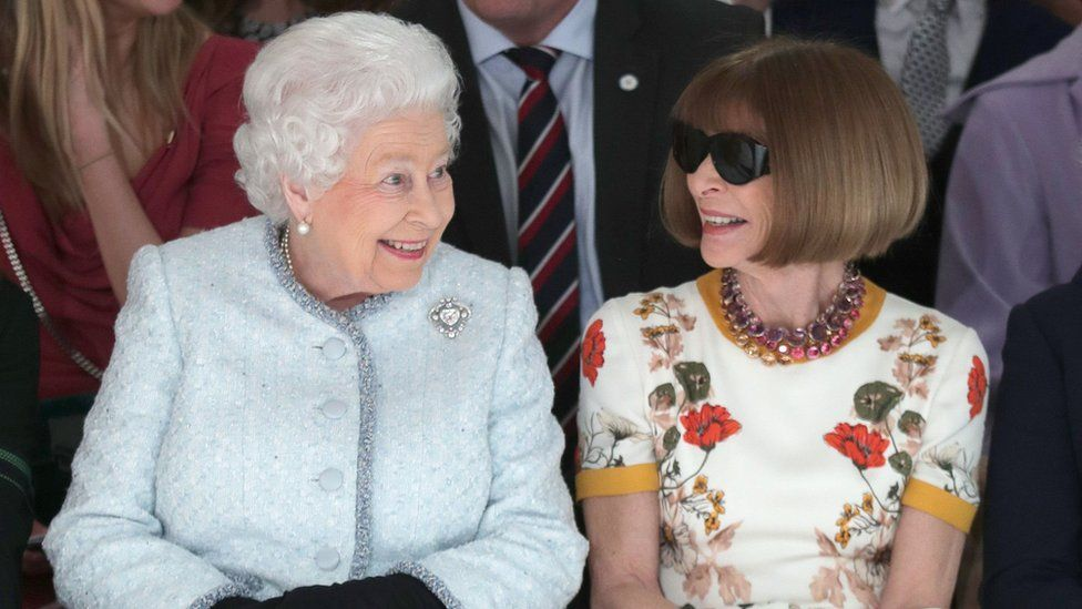 The Queen and Anna Wintour share a smile
