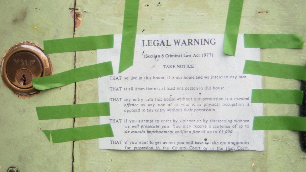 This legal warning notice had to be fixed to all external walls to stop eviction without a court summons, Lattimore Road, 1986