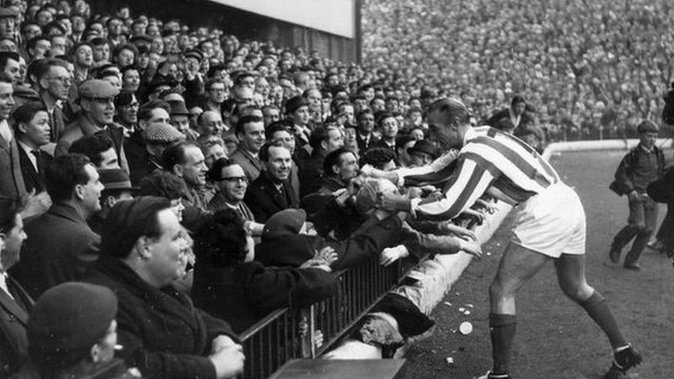 Sir Stanley Matthews in farewell match in 1965