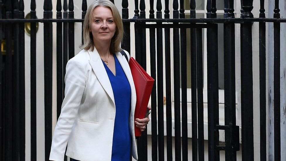Liz Truss apologises over 'inadvertent' Saudi military sales