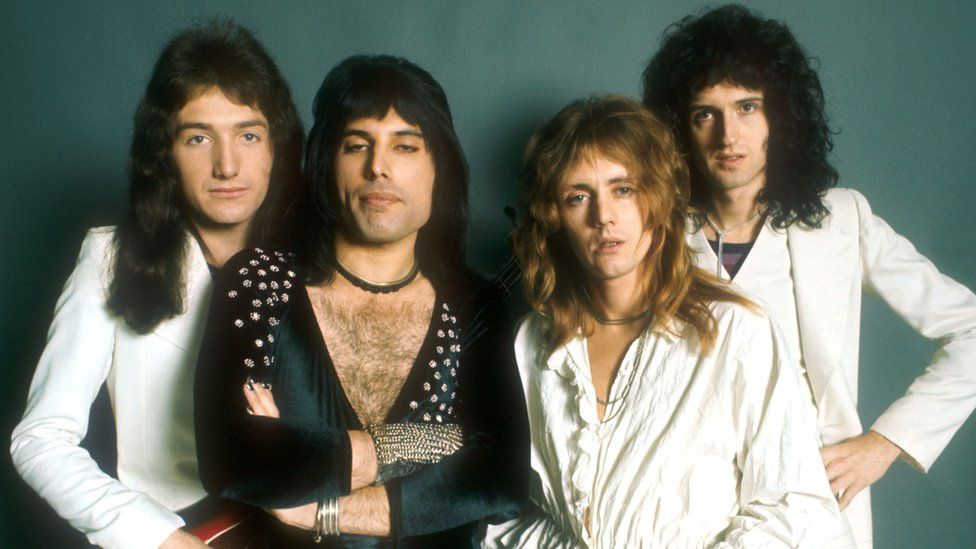 Queen, (l-r) John Deacon, Freddie Mercury, Roger Taylor and Brian May. Probably dates from 1973