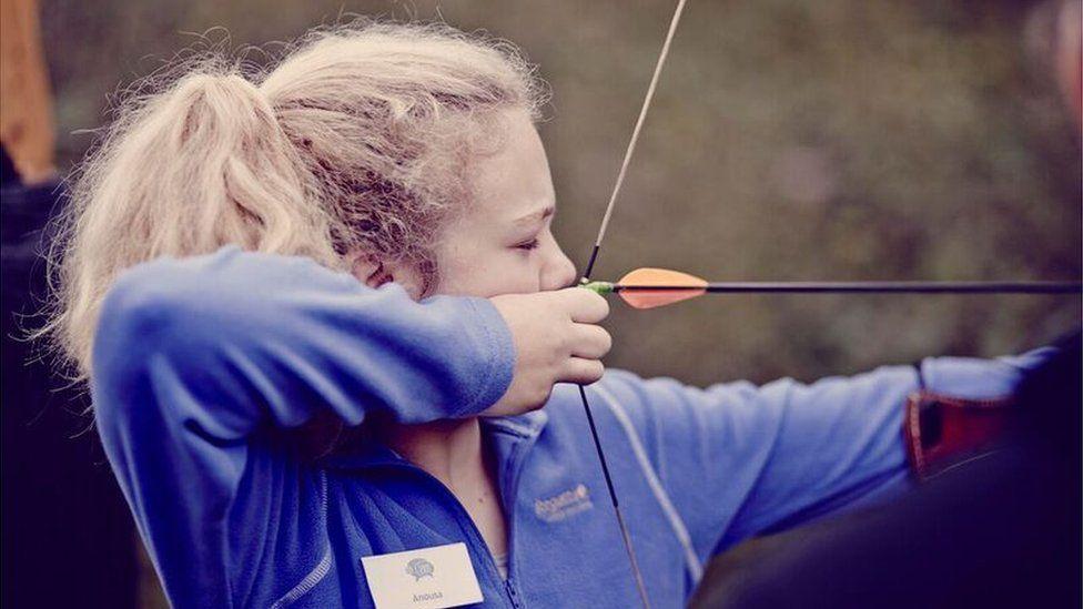Guide firing bow