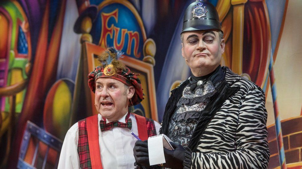 Andy Gray, here with Grant Stott, had been one of the stars at Edinburgh's King's Theatre pantomime for years