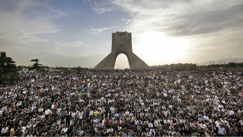 Protests in front of Azadi Tower in 2009