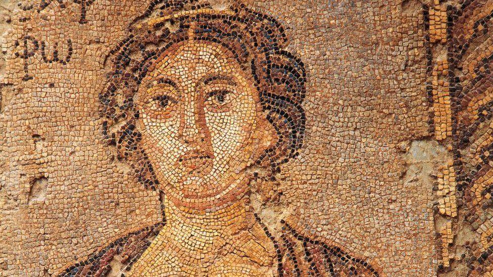 Safo, a poeta da ilha de Lesbos cuja visão sobre amor e sexo atravessou 2.600 anos