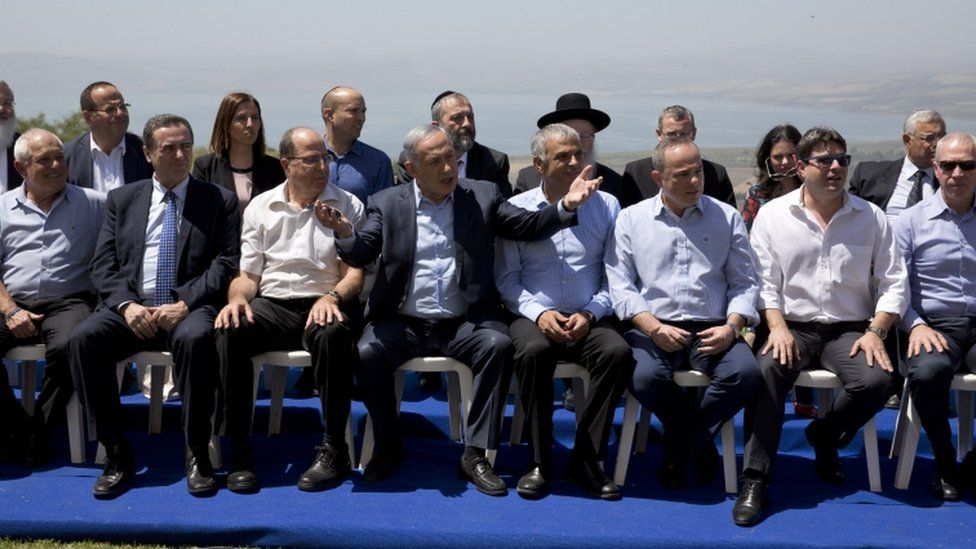 Benjamin Netanyahu and the Israeli cabinet on the Golan Heights, 17 April